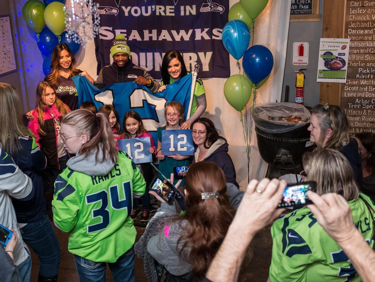 Game day: Long Beach Peninsula rallies for Seahawks