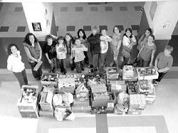 Long Beach students collect 1,742 food items