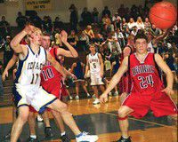 IHS boys win ugly over White Salmon, 54-53