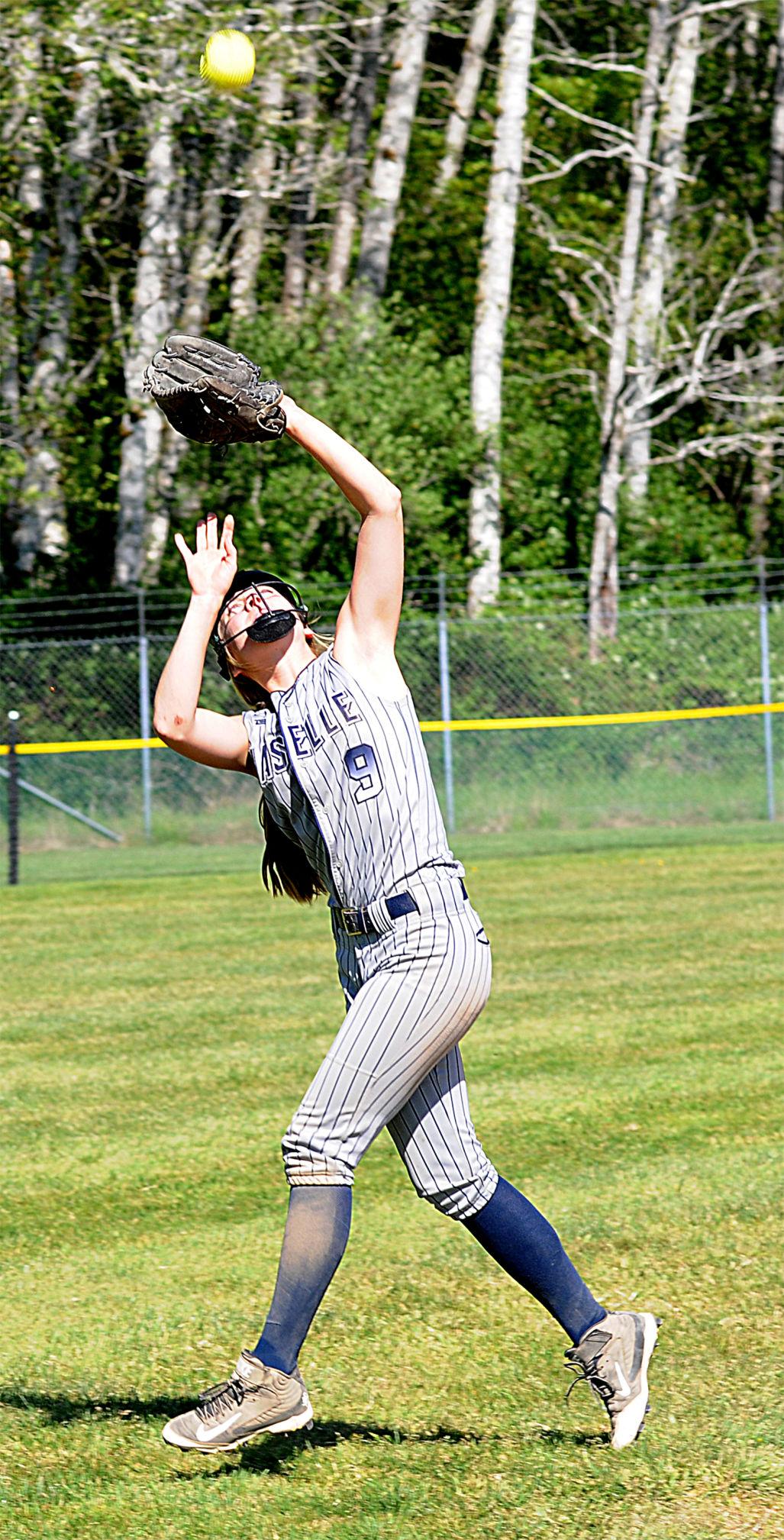 NHS softball Kylee Tarabochia