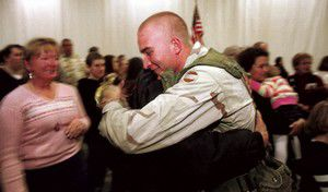 B52nd troops receive massive welcome home
