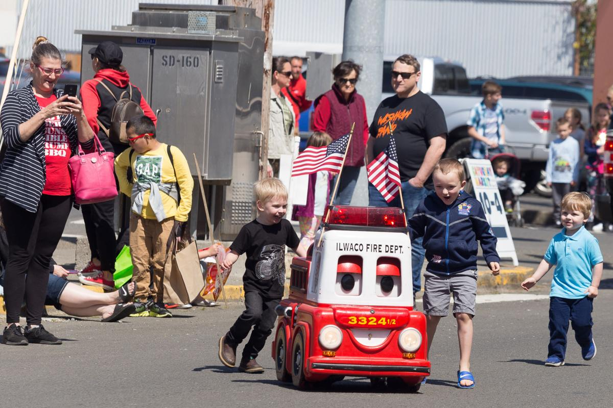 190508_co_ilwaco childrens parade_remote control spectacle.jpg