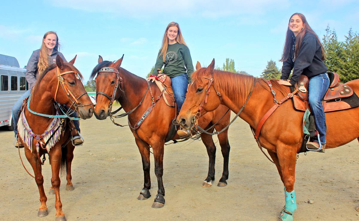 Equestrian girls 2