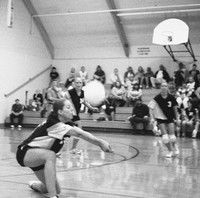 Comettes continue volleyball mastery of Wahkiakum Mules