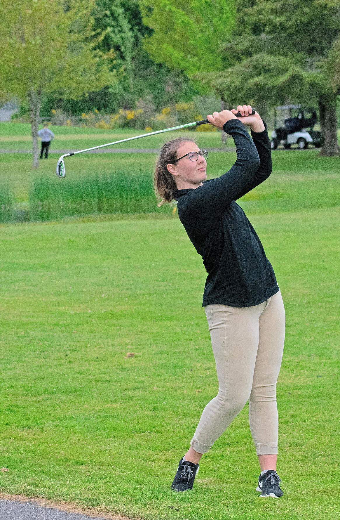 IHS golf Faith Richardson