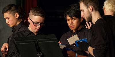 IHS musicians shine in pre-Thanksgiving concert