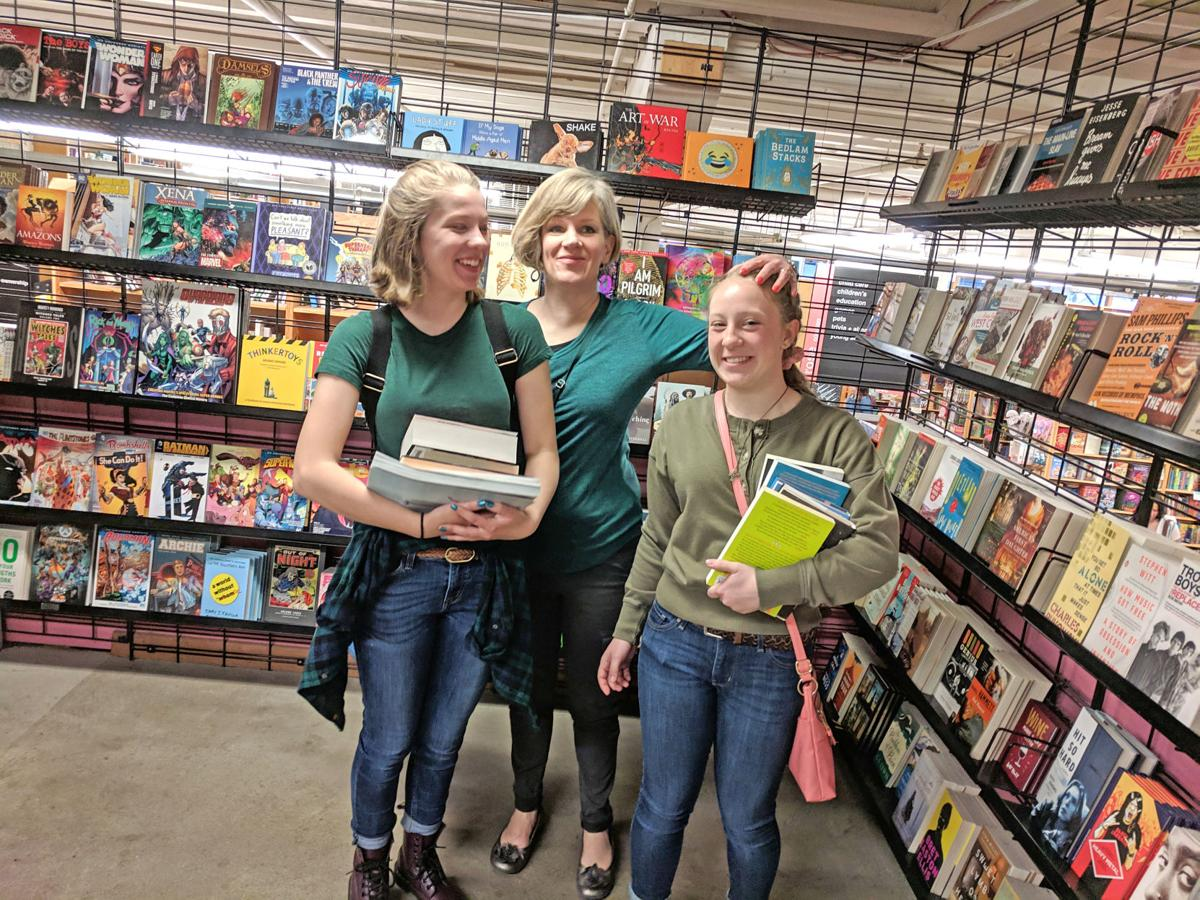 Hunt women in Powell's