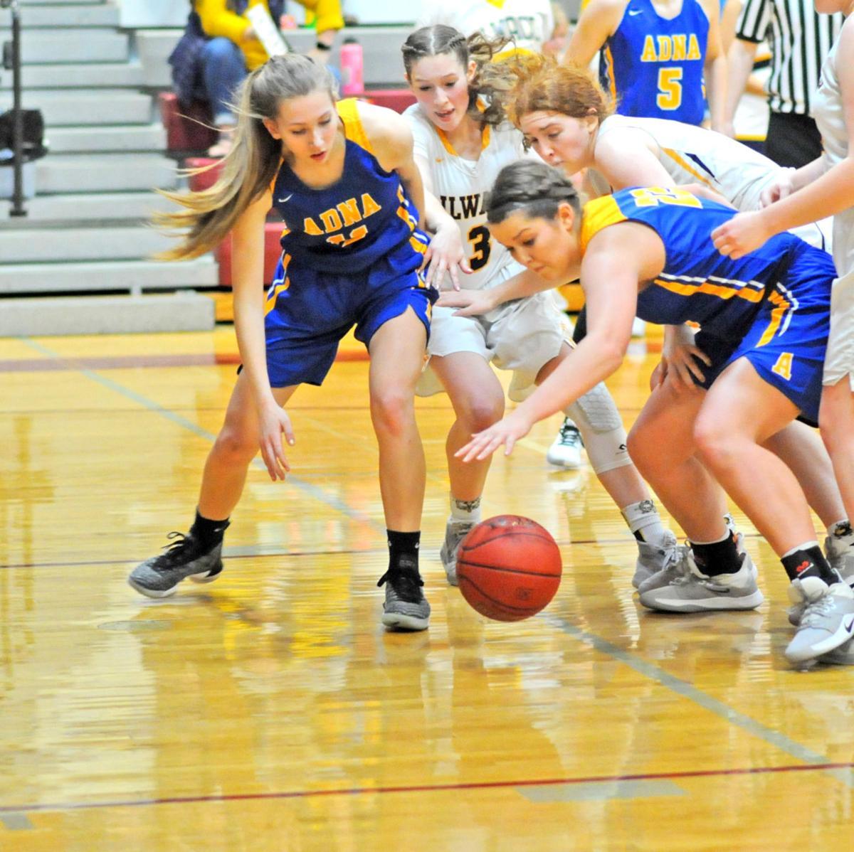 IHS basketball