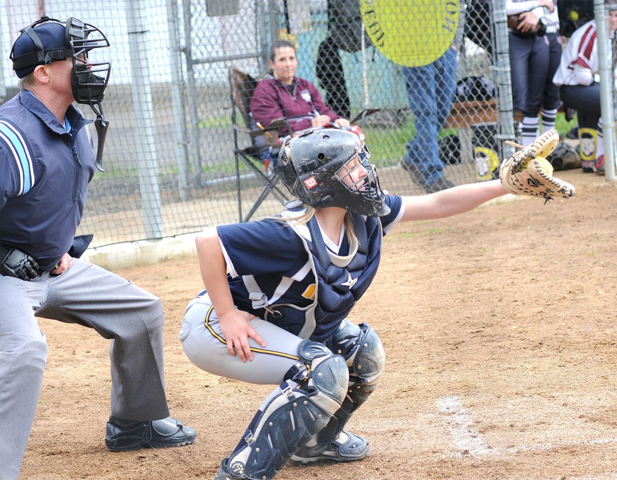 IHS softball: Catcher Lindsy Agee