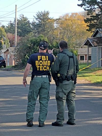 'FBI BOMB TECH' on scene in Ocean Park