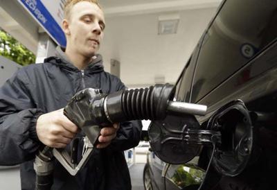 Oregon Legislature close to allowing self-service gas, for some