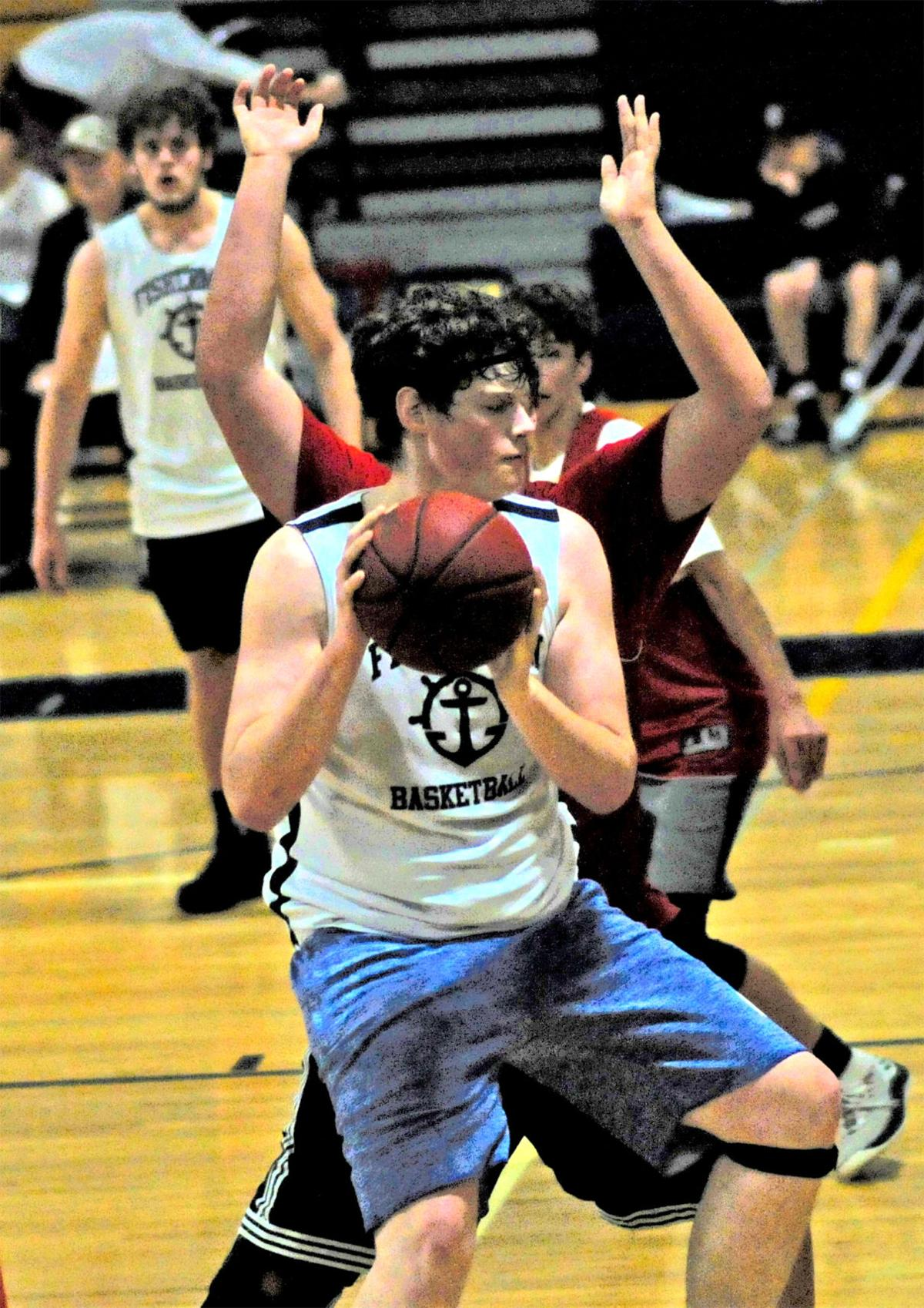 IHS basketball Joe Nisbett
