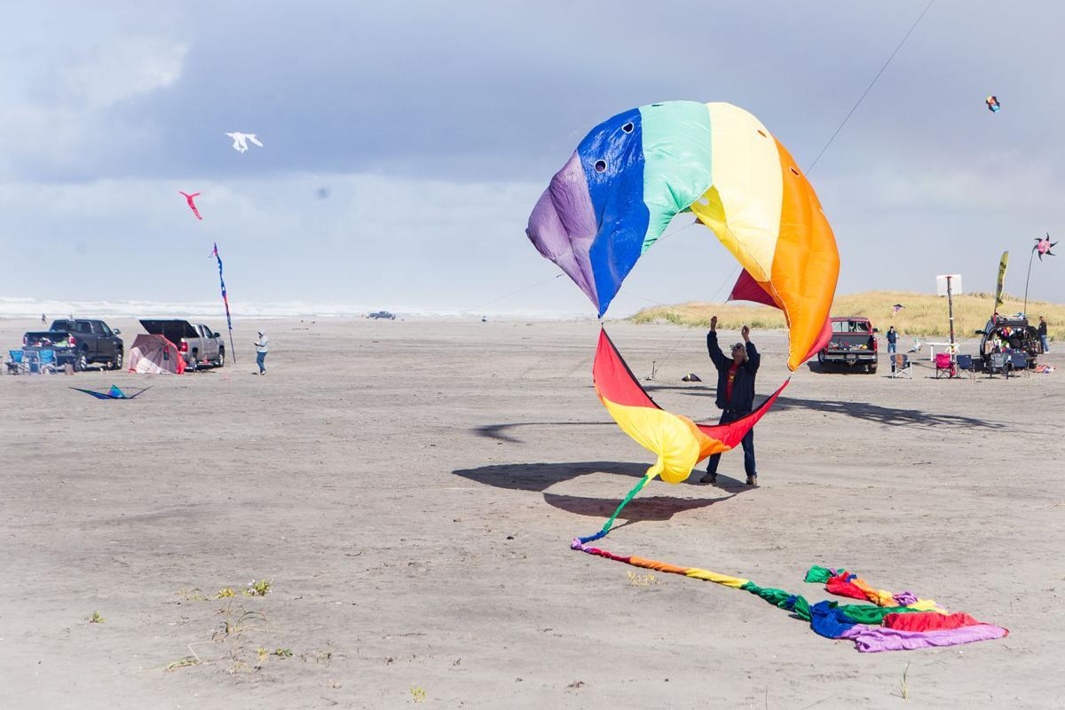 Scott Slater releases kite