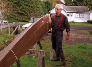 Nahcotta kayak builder brings pride and low-key approach to ancient craft