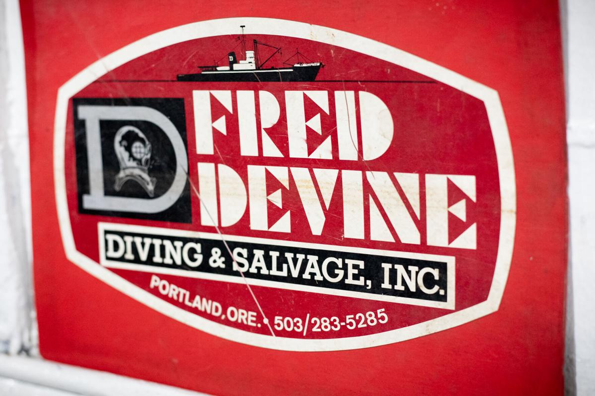 Diving and Salvage sign
