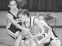 Lady Comets experience second quarter woes