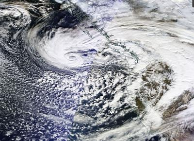 Strong El Niño does its thing to the Northwest; pumped up jet stream brings convoy of storms