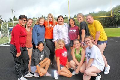 2019 Ilwaco High School cheerleading squad