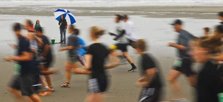 Hundreds defy the weather, race for glory, chowder