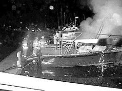 Boat destroyed by fire at Ilwaco docks