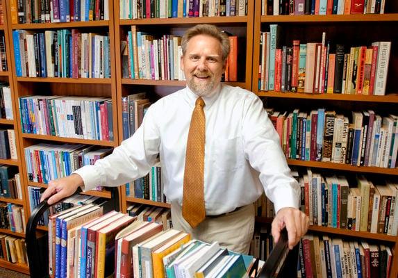 IWU professor picked to lead Religion News Foundation