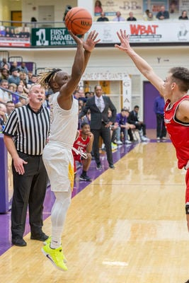 Giants, Indians, Argylls open with conference wins