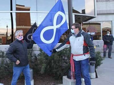Metis Infinity flag