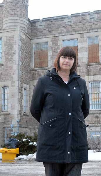 New minister visits old jail