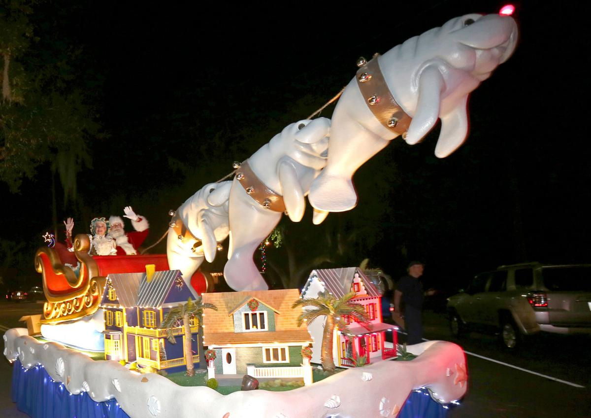 A night of classics: 2017 Crystal River Christmas Parade | Local ...