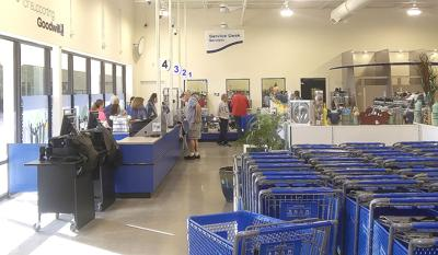 Shoppers flock to new Goodwill store in Crystal River   Local News