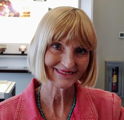 Lynne Farrell Abrams col sig