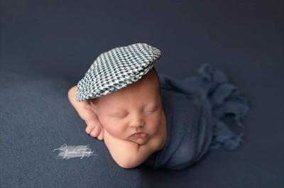 Birth announcement: Bernard Thomas Kampschroer