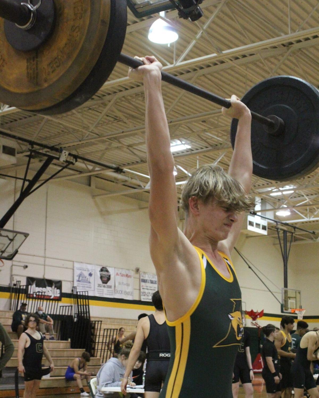 County boys weightlifting