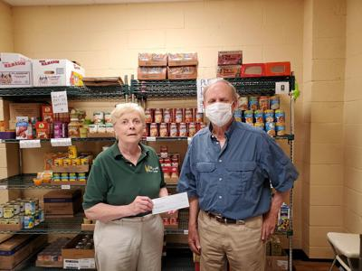 Dallas Knights of Columbus help food pantry
