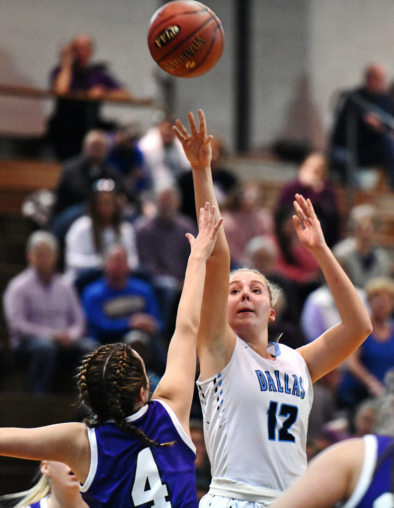 Dallas' Lauren Charlton named second team all-state in 4A girls basketball