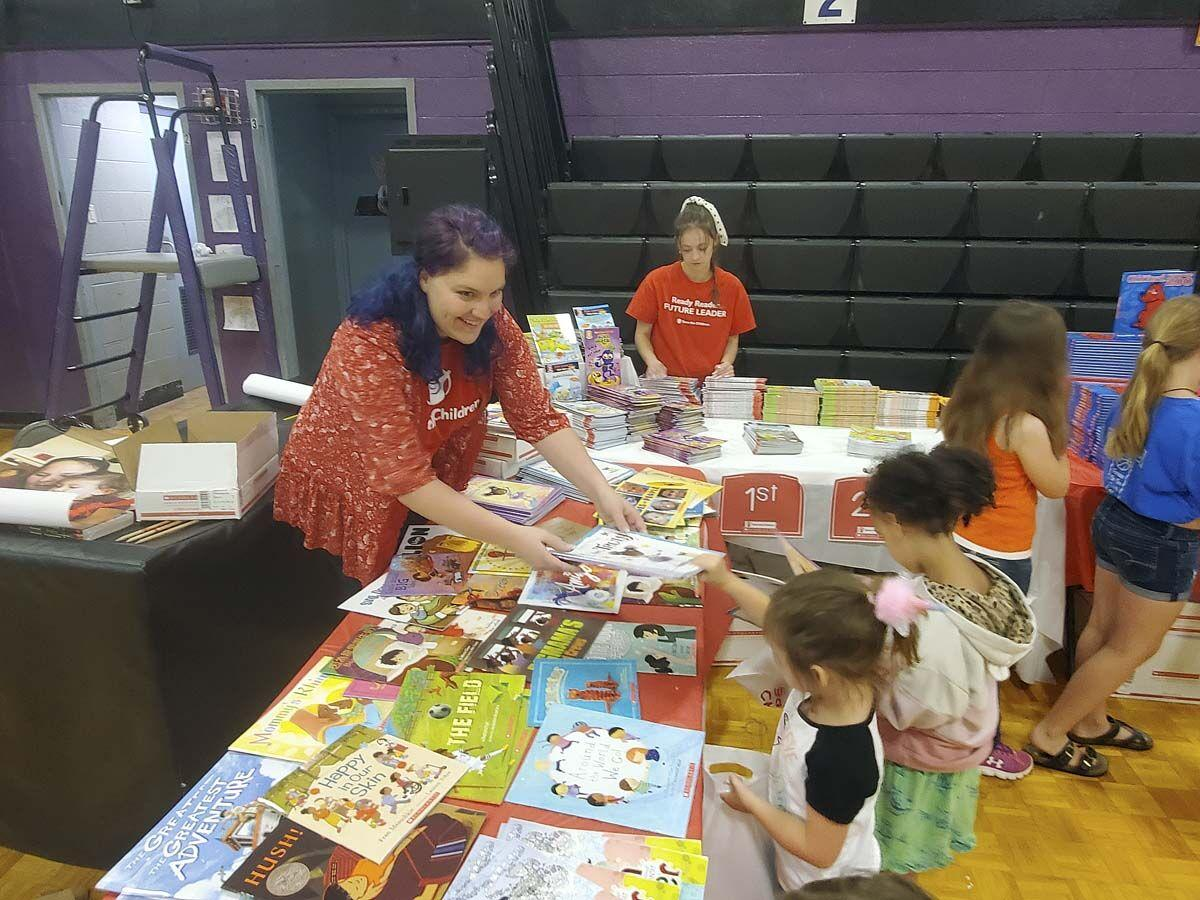 Edgemont hosts Save the Children, Scholastic to boost reading