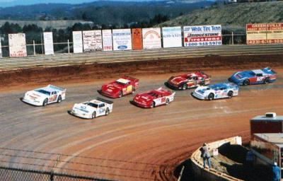 Tony Stewart to race at Volunteer Speedway this weekend
