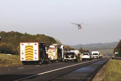 Early morning crash snarls traffic on 1-81