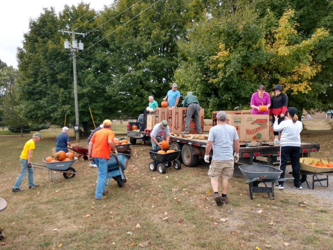 Pumpkin Patch 2019 Unloading.jpg