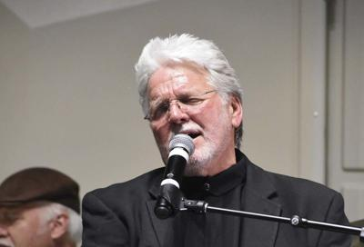 Country legend brings crowd to its feet during fundraiser for WSCC Foundation