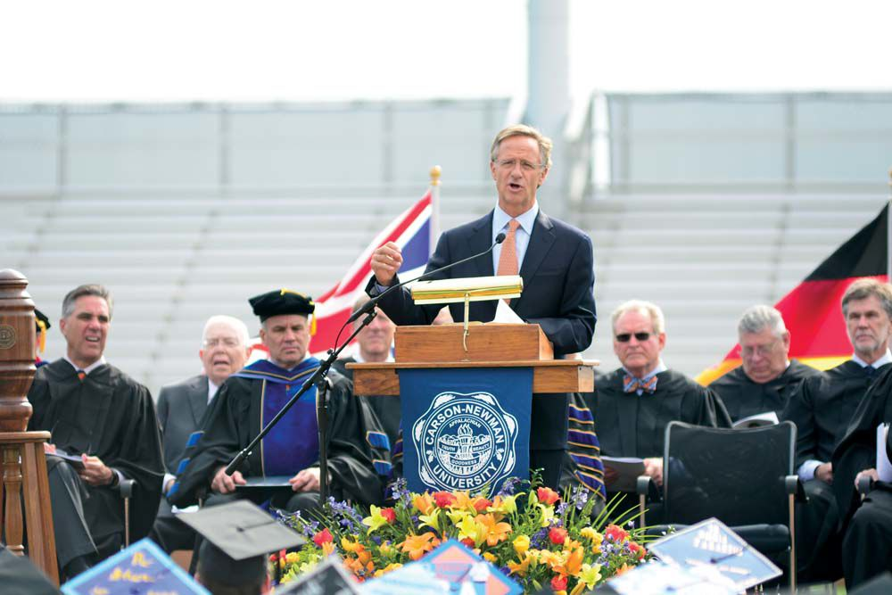 Governor delivers Carson-Newman commencement