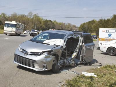 Second crash on U.S. 25E, Alex Hall injures two