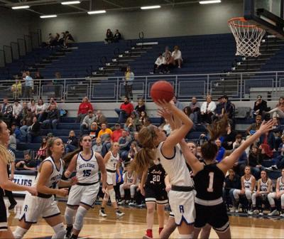 Throwback Lady Grizz throw down on Union County, 77-41