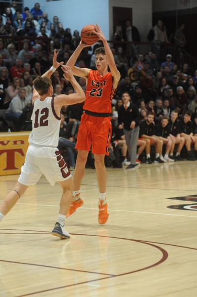 Hurricanes pull away in second half, down West 64-45