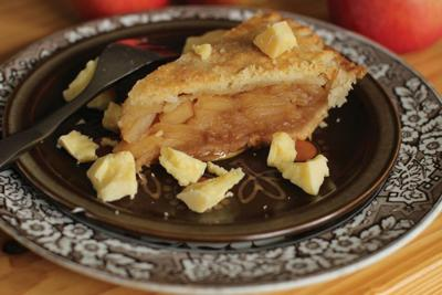 Cook's Corner ~ State Fair apple pie champ says 'cream cheese' is her secret