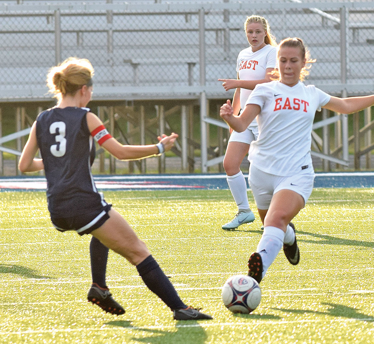 ... Attempts To Outrace Knox Westu0027s Jessie Loewen (3) To The Ball During  Mondayu0027s District 2 AAA Soccer Tournament Match At Bill Wilson Field In  Knoxville.