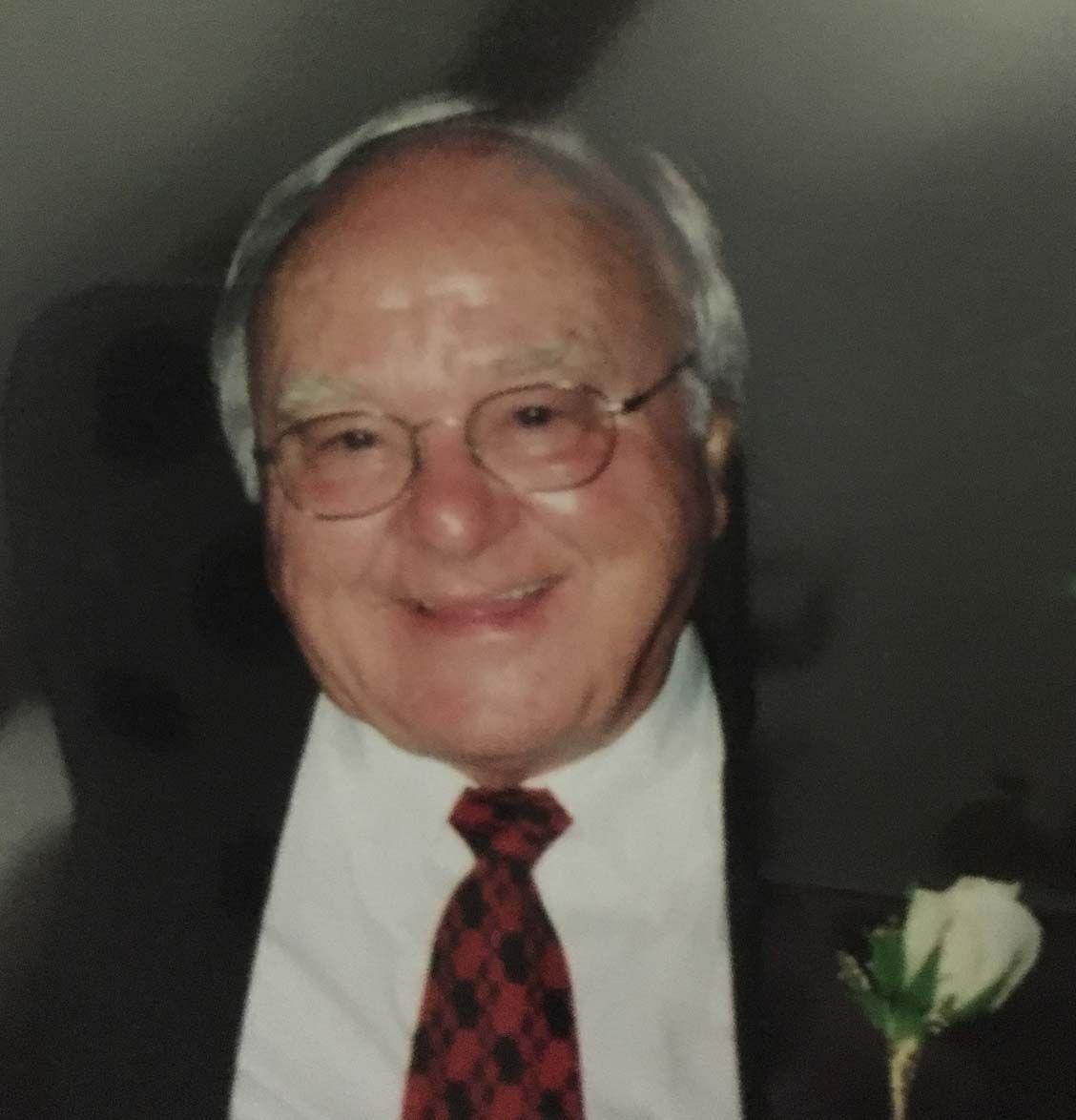 Dr. Stephen Bencho Sr. | Obituaries | citizentribune.com