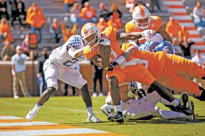 Turnovers haunt Tennessee as Kentucky takes down Vols in Knoxville for the first time since 1984