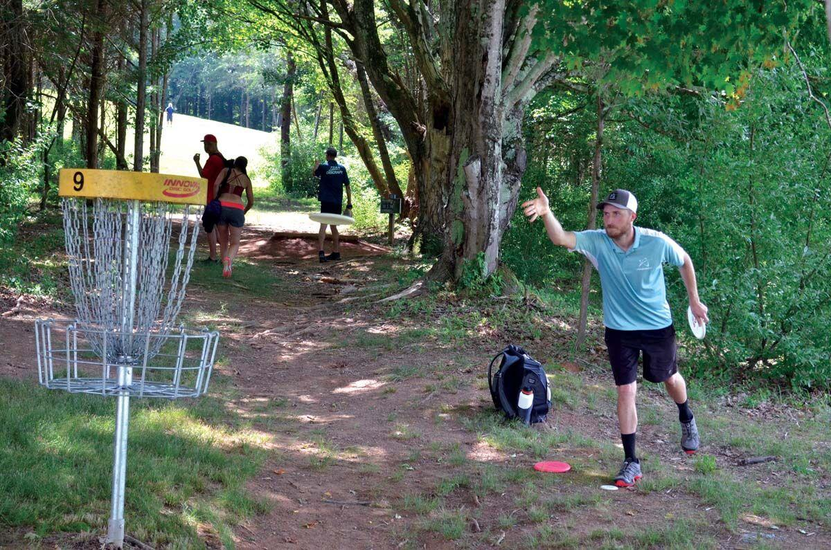 Dickerson takes lead into final day of TSDG Championship