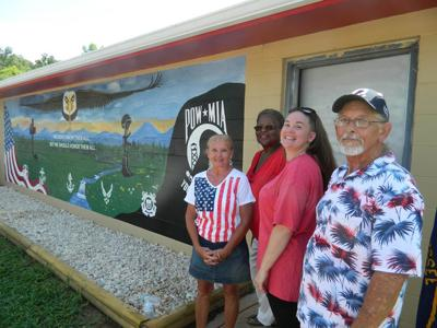 Newport DAV celebrates holiday with mural reveal